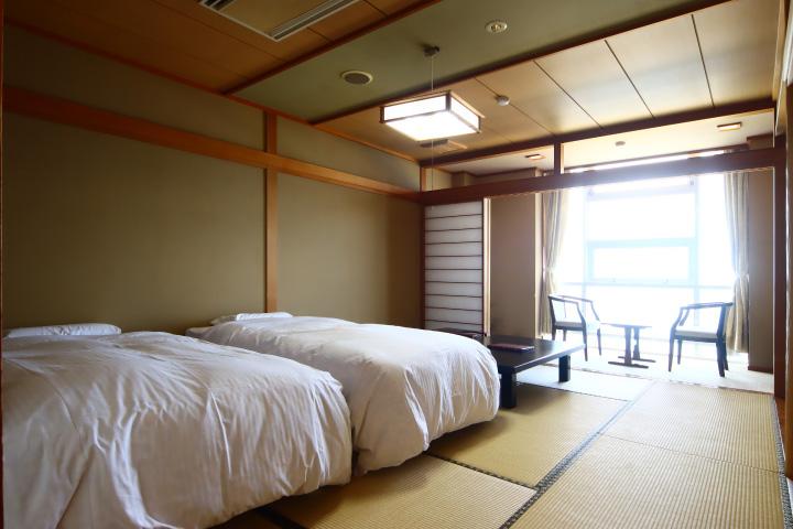 和室10畳 ツインベッドルーム